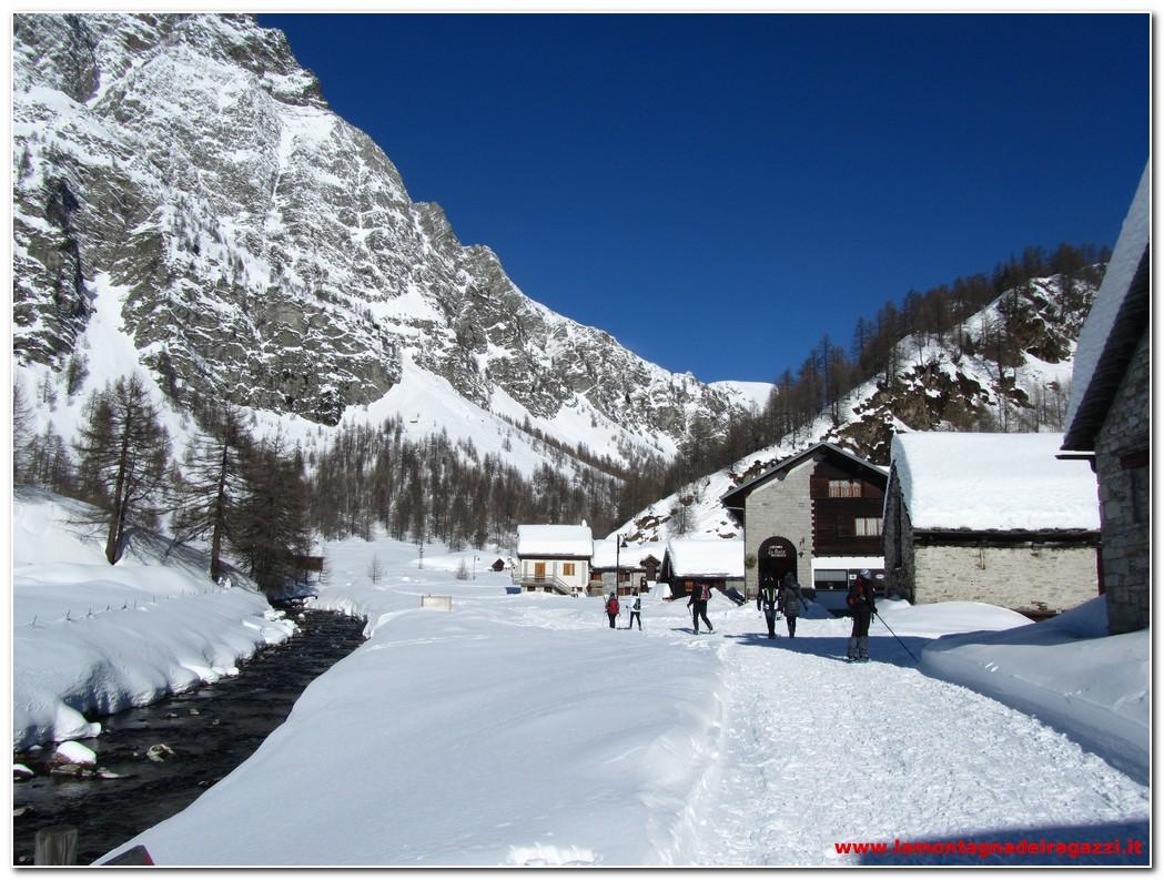 Read more about the article Alpe Devero – Crampiolo con le ciaspole