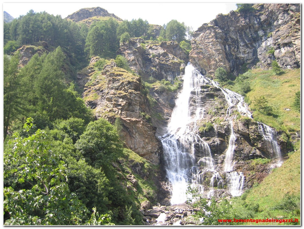 Read more about the article Valle dell'Orco – Cascata del Roc